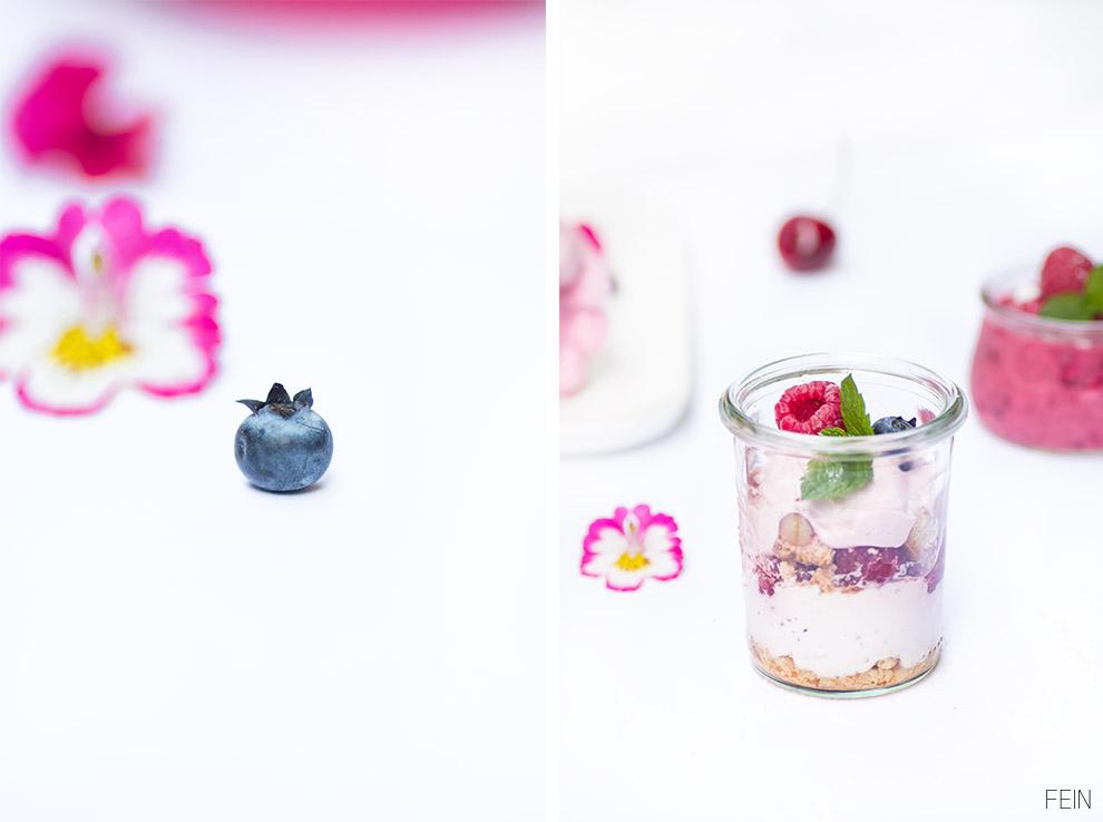 Eis Beeren Nachtisch im Glas