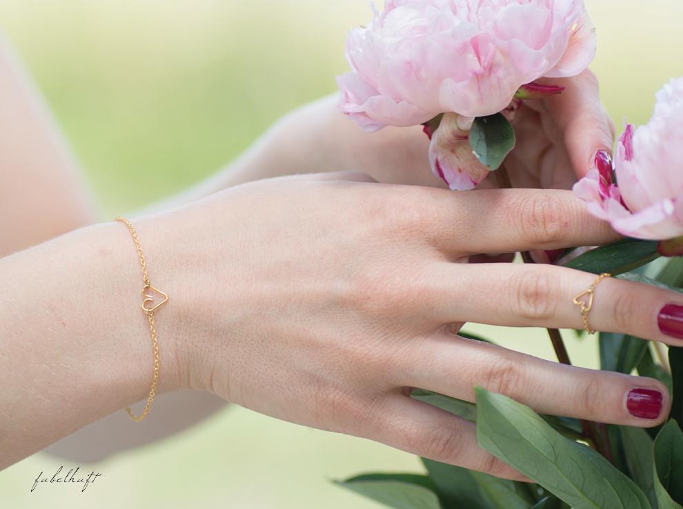 Oh Bracelet Berlin Gold Schmuck Pfingstrosen Ring Herz Armband Mint Kleid