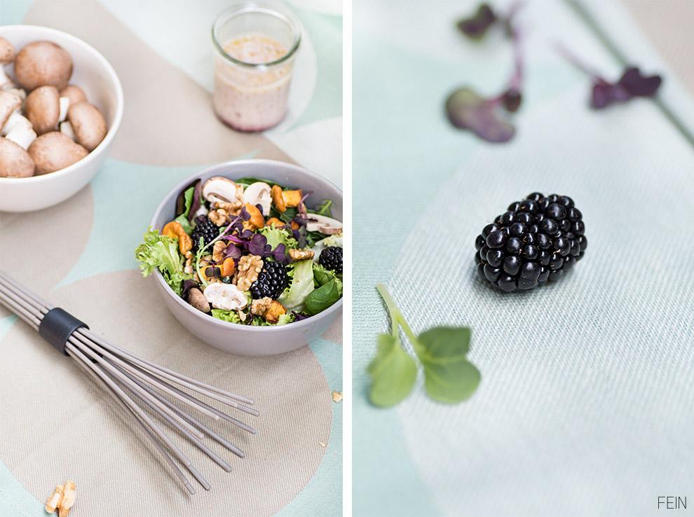 Schneebesen Pilze Brombeere Salat