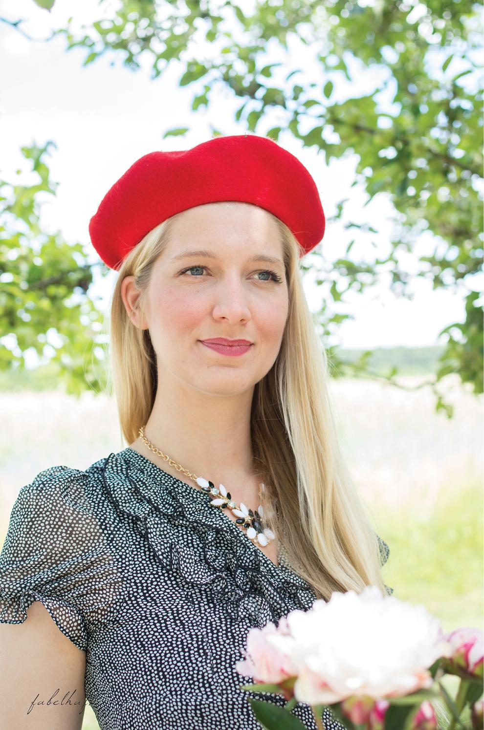 Miss Etoile Chiffon Kleid Parisien Baskenmütze Rot