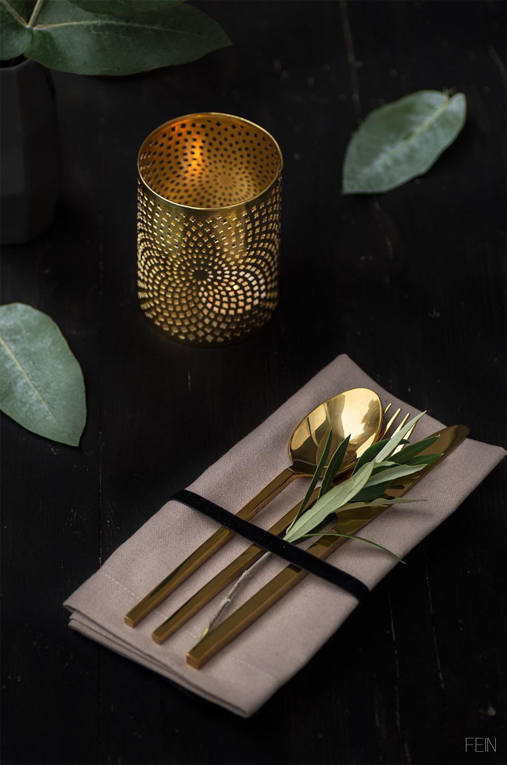 Gold Besteck Tisch