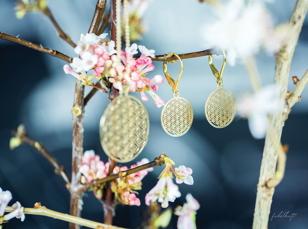 Mia&Martha Schmuckmanufaktur Gold Graphisch Geometrisch Amulette Ohrhänger Kette Medaillon