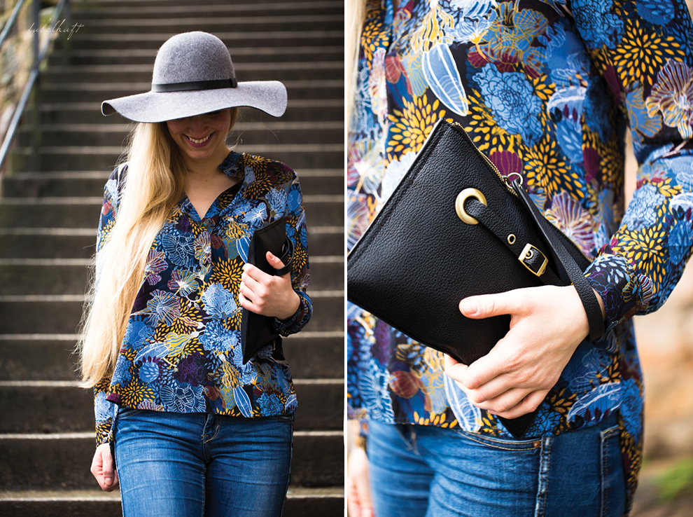 Clutch Jeans Bluse Ostern Outfit floral Schlapphut Wollhut Blond