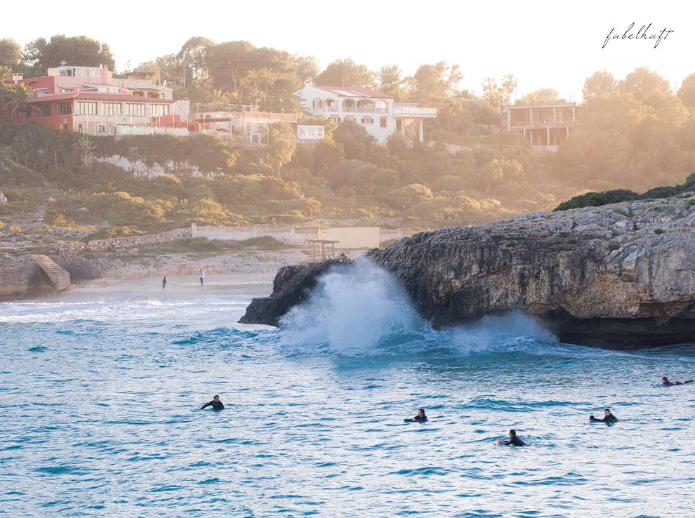 surfer mallorca calla domingo waves welles beach holiday urlaub spring ocean meer spanien 3