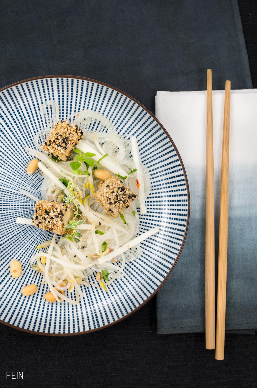 Asia Glasnudelsalat Tofu Erdnuss
