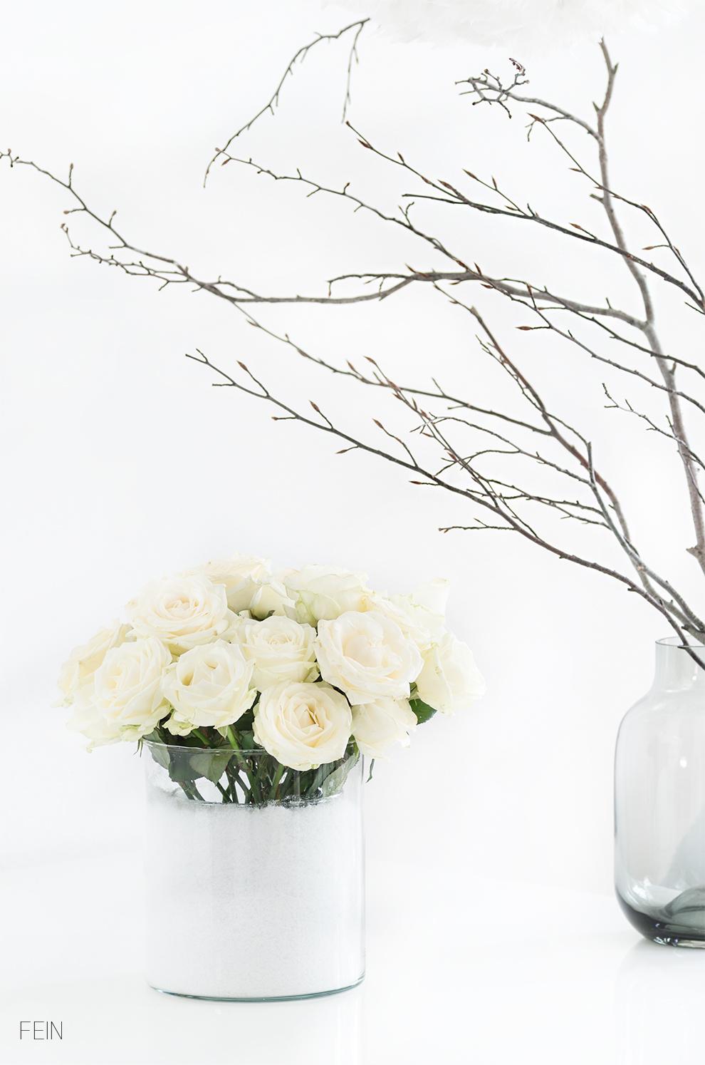 weihnachtsdeko-rosen-weiss