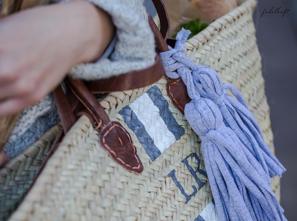 lieblingsstueck-germany-fein-und-fabelhaft-monogram-basket-bastkorb-herbst-outfit-kuschel-pullover-grau-slipper-loafer-6