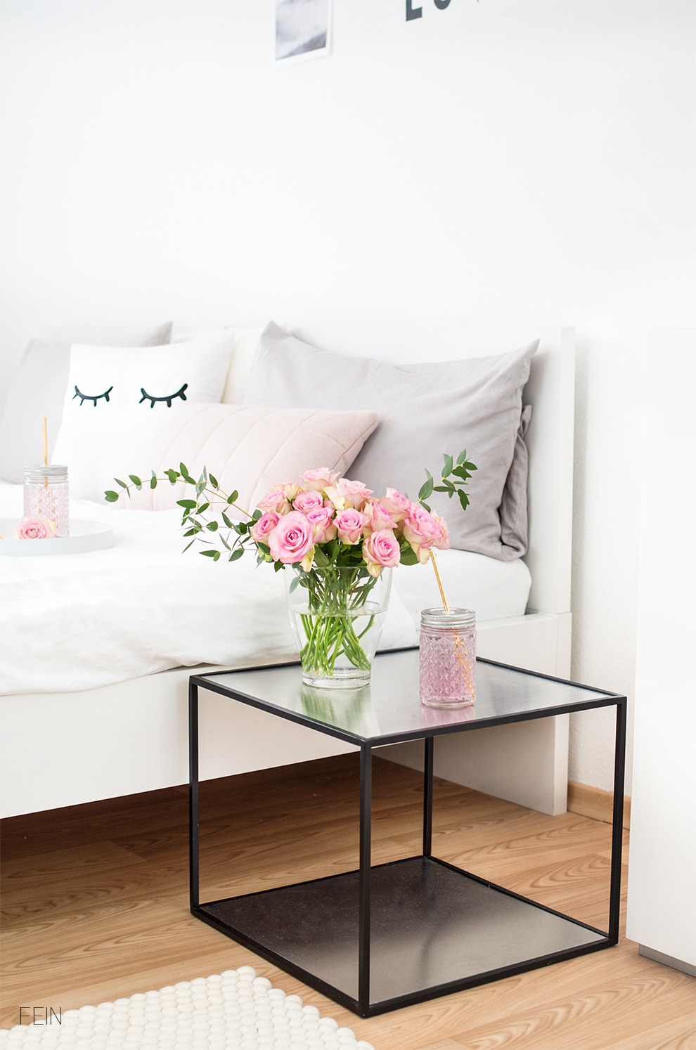 rosa-accessoires-feminin-schlafzimmer-kissen
