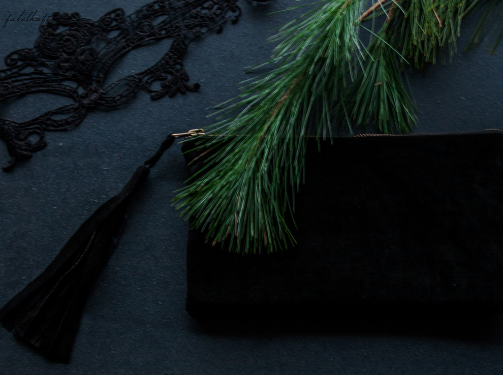 Netzsieger curated shopping silvester outfit kleid schwarz abendoutfit Gala Ballklein blogger Clutch wildleder blond 3