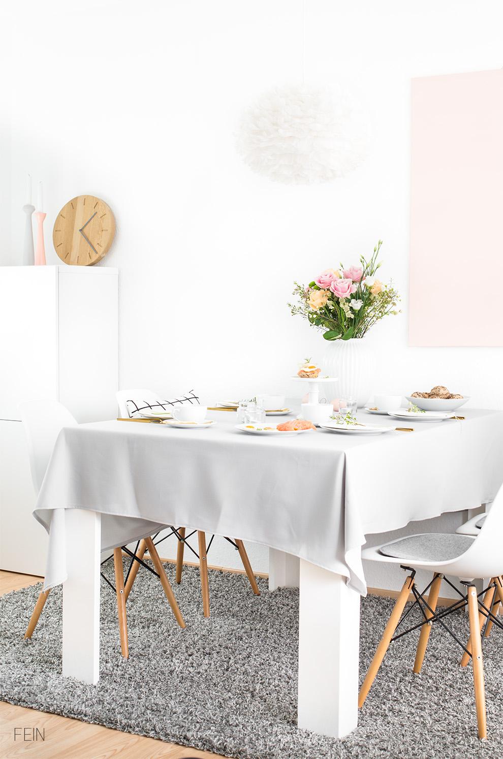 Osterbrunch gedeckter Tisch Ostern