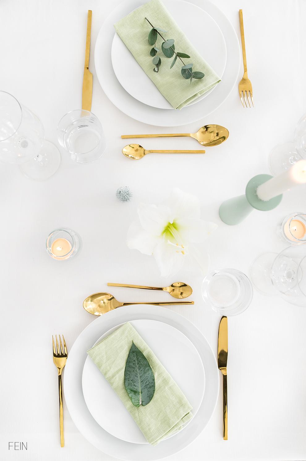 Weihnachtstisch gedeckter Tisch Tableware
