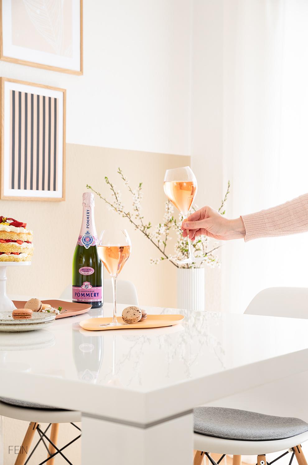 Champagner Pommery Rose Auf den Frühling
